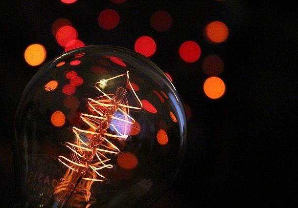bulb-2136224_640